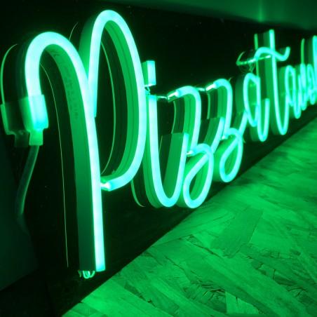 Enseigne Néon LED vert Pizza Tavola di Bruno plexiglas noir découpe rectangle