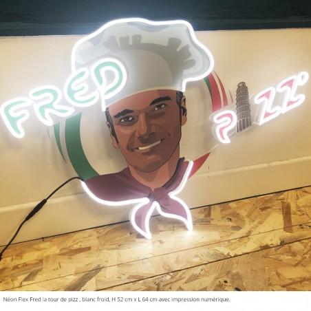 FRED LA TOUR DE PIZZ, néon flex blanc froid, impression numérique sur face avant