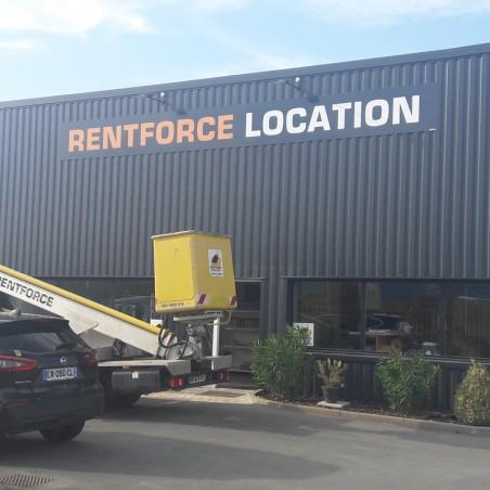 Enseigne Rentforce location plaque dibond impression adhésif