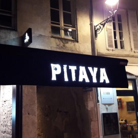 Enseigne PITAYA restaurant lambrequin lumineux de devanture de restaurant