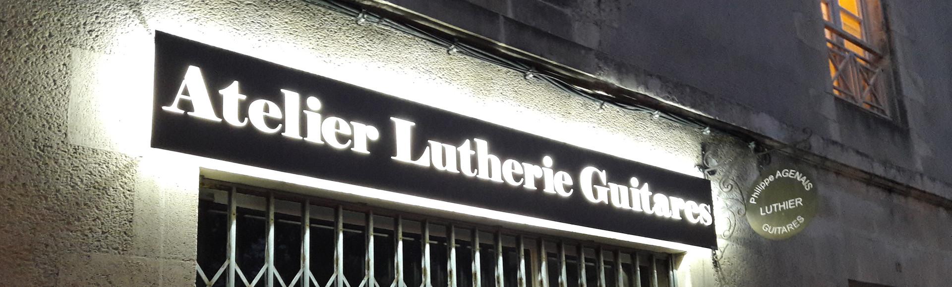 Enseigne lettrage pochoir lumineux Rétroéclairage LED Dibond Atelier Lutherie Guitares